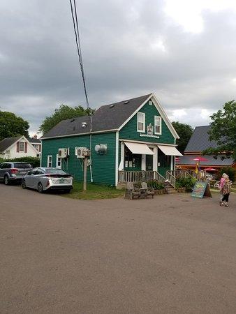Landmark Cafe: 20180804_191819_large.jpg