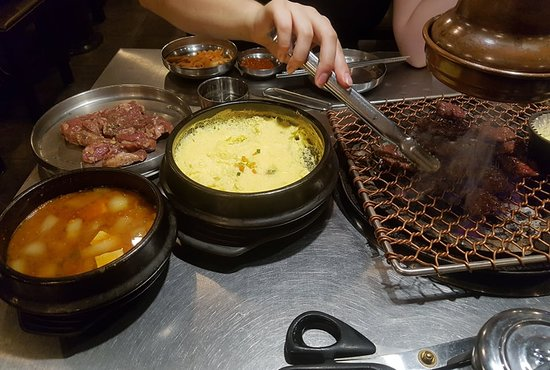 choigozip Hongdae: Our first order! Marinated beef / Pork (dont exactly remember the names) Egg bowl (veeery nice!!