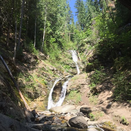 Pretty little falls at the end of 30 min trail