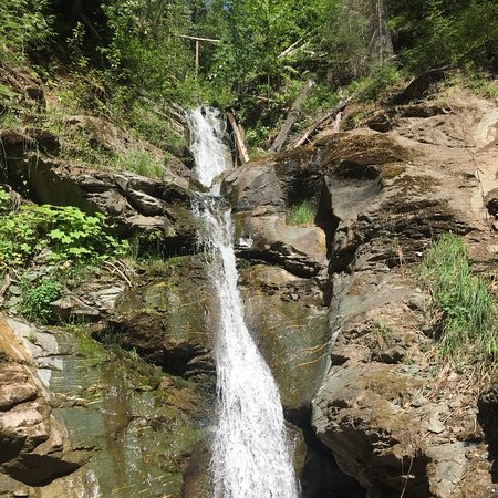Anglemont, Canada: Pretty little falls at the end of 30 min trail