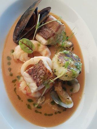 Kornat crown (seafood soup)