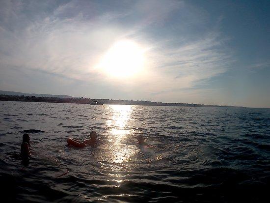 Marasciulo Charter: il bagno al tramonto in un mare splendido
