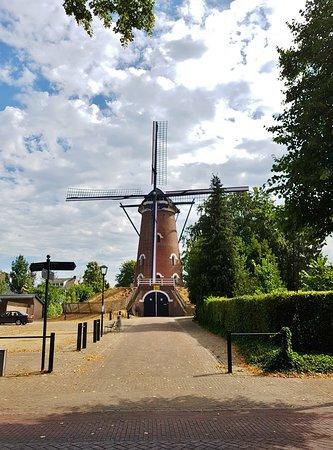 Vessem, Hà Lan: Jacobusmolen is een beltkorenmolen (1893)