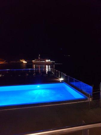 Hotel Maxim: 20180617_220424_large.jpg