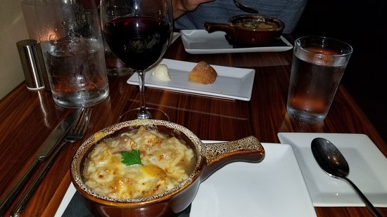 That Place : French Onion Soup and Red Wine