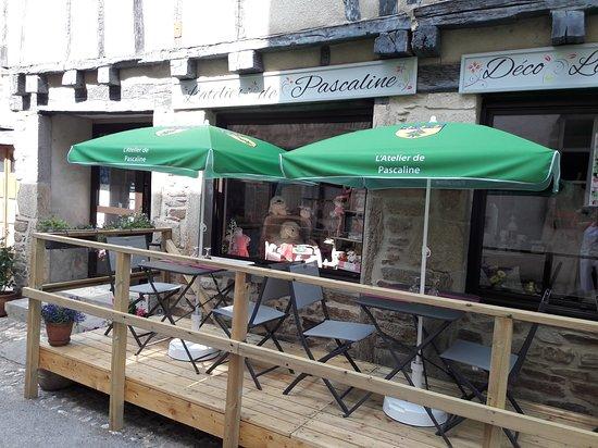 Sauveterre-de-Rouergue, Prancis: La terrasse