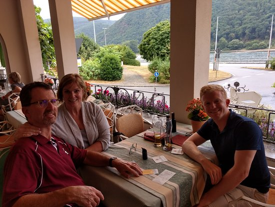 Assmannshausen, Germany: Happy Eulbergs at the former Hotel Eulberg