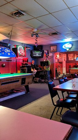 Buster Brown's Lounge
