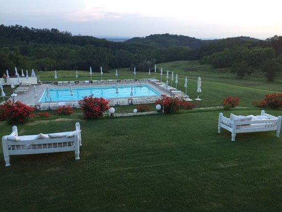Sant'Agata Fossili, Italia: Piscina al tramonto