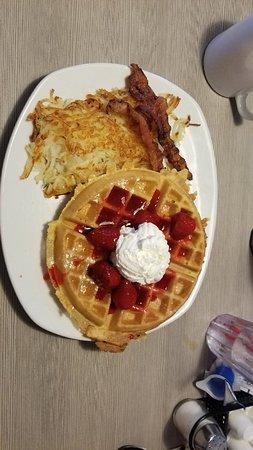 Perkins Restaurant & Bakery: 20180805_093758_large.jpg