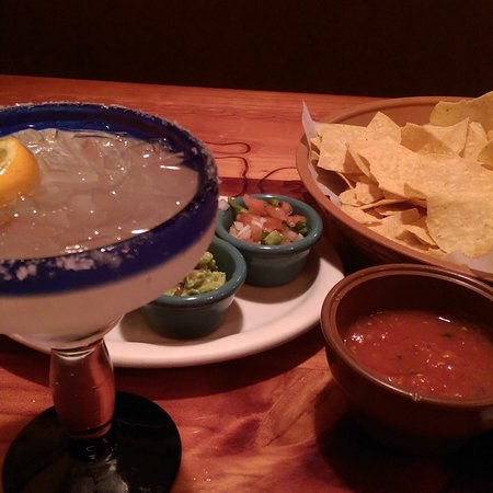 Greenbrier, Теннесси: Everything goes great w a margarita!!