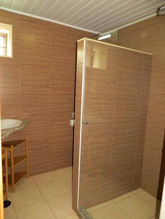 Póvoa de Midões, Portugal: Bathroom B&B Dahlia