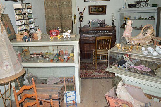 Virginia City, MT: A toy store