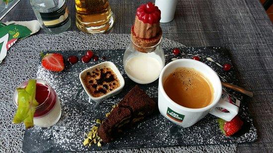 Esch-sur-Sure, Luxembourg: CAFE Gourment. Eccellent.