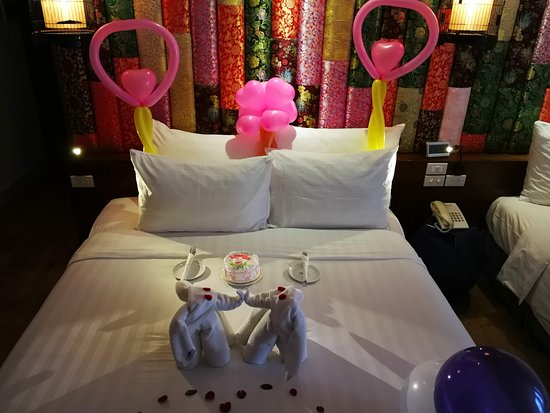 Hanoi Meracus Hotel 1 : Room decorated for birthday