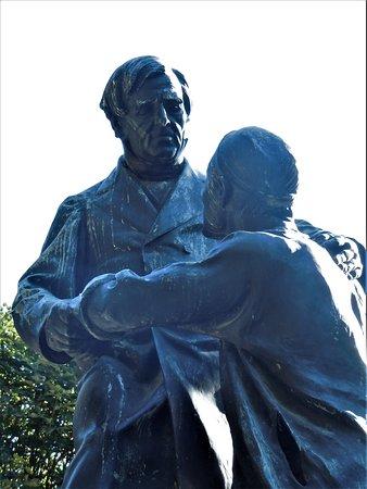 Statue de Jean Leclaire