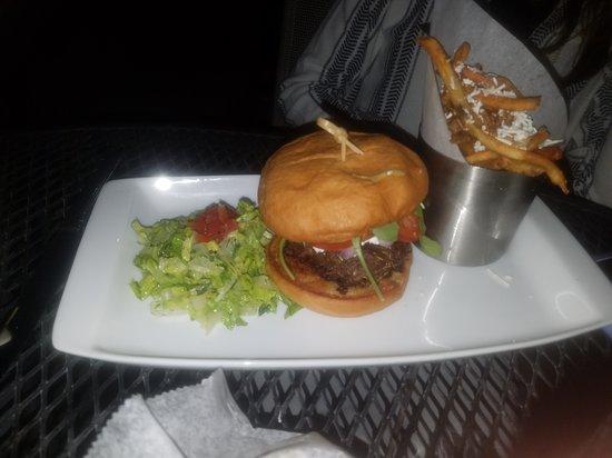 Avon Lake, OH: burger
