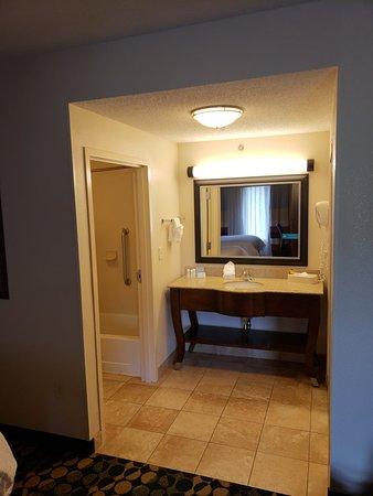 Hampton Inn & Suites Huntersville: 20180804_151232_large.jpg