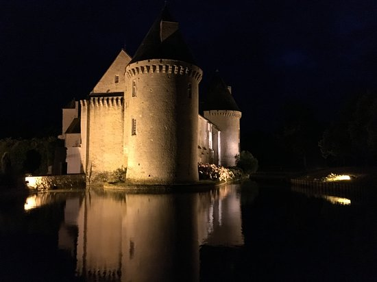 Colombieres, França: wow at night