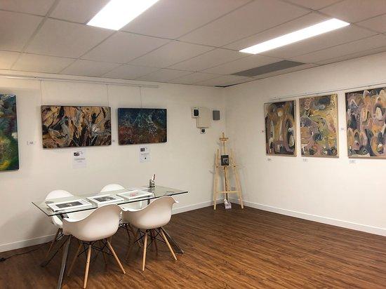 Bundall, أستراليا: Art World Pty Ltd Bundall Gallery corner 2