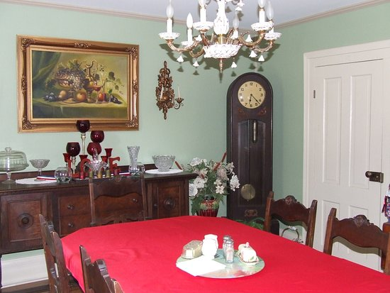 The Jewell of Vienna Dining Room