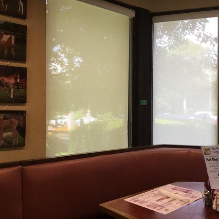 Harding's Family Restaurant: photo1.jpg