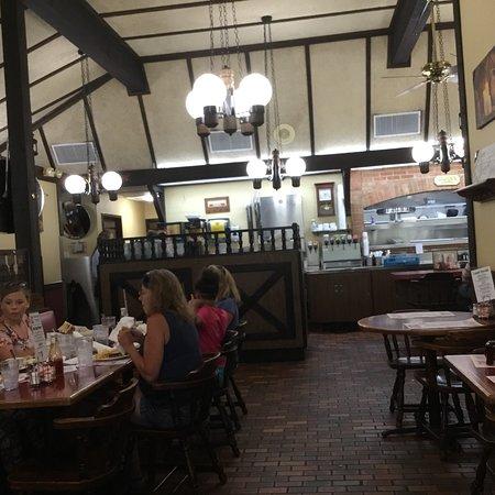 Harding's Family Restaurant: photo2.jpg