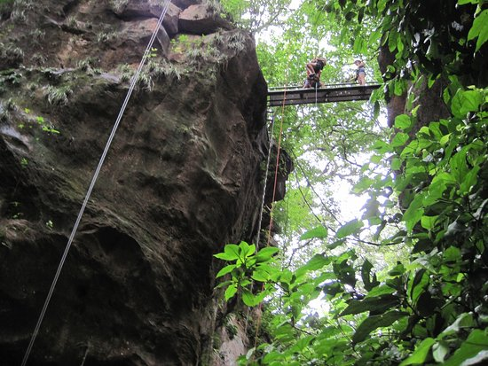 Costa Rica Unique Transfers and Tours: Drop down into the canyon