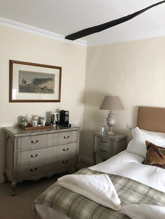 Yattendon, UK: My hotel room, with Nespresso machine and bottled water!