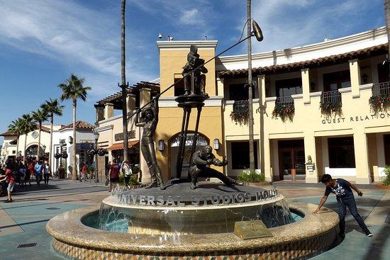 Universal Plaza