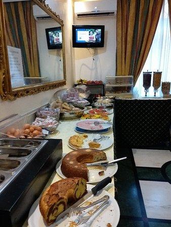 Hotel Sonya: 20180804_082918_large.jpg