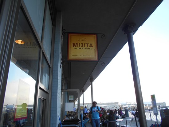 Mijita: オープンテラス席のようす