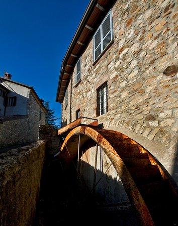 Bobbio, Italy: Mulino di San Giuseppe, particolare del canale