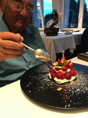 Hambye, France: Strawberry melba for my octenagerian Father in law!