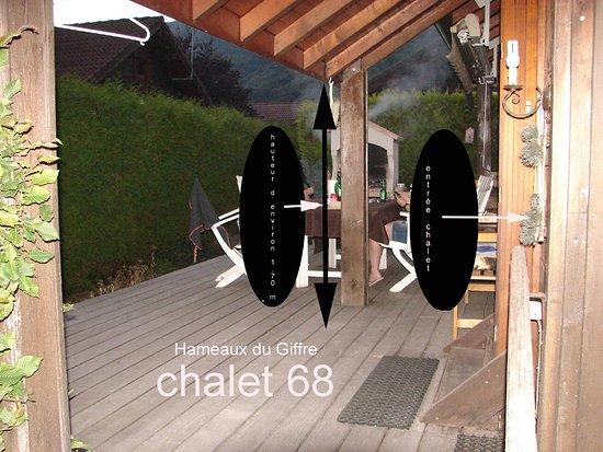 Les Hameaux Du Giffre : Hauteur d'avancée de toit dangereuse pour les personnes