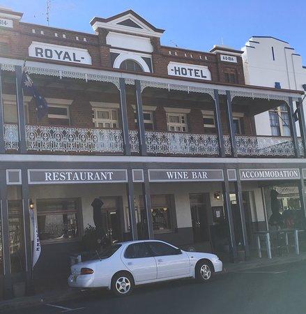 West Wyalong, Australia: Royal Hotel