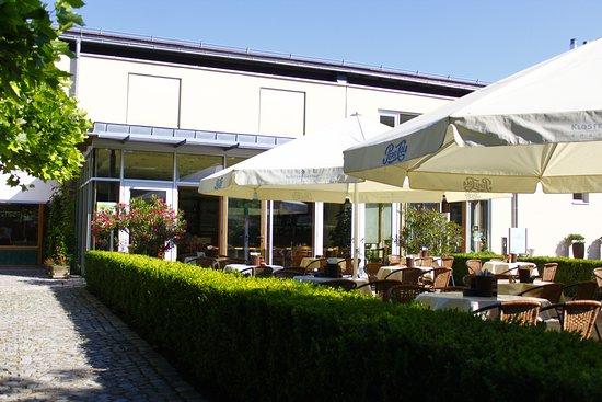 Roggenburg, Germany: Bistrogarten