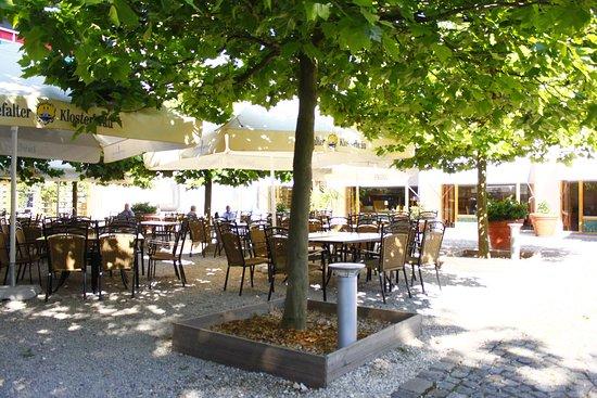 Roggenburg, Germany: Platanengarten