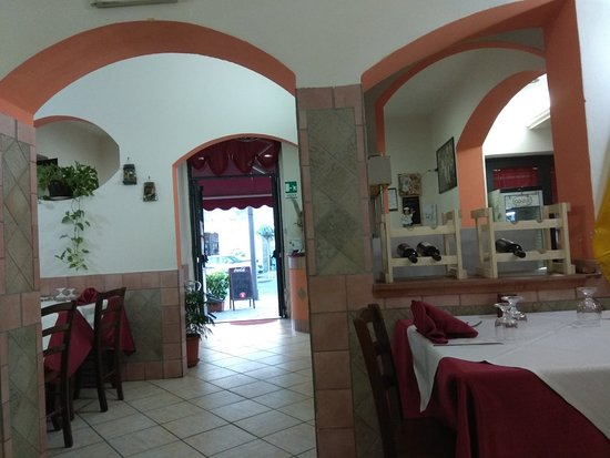 Pedara, Italia: IMG_20170528_195420_large.jpg
