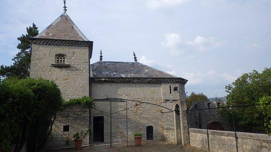 Chateau d'aulan: vue d'une terrasse