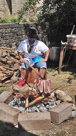 Les Thons, Frankreich: Jambon de pays grillé au feu de bois