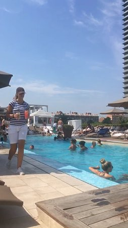 Perfect time and amazing staff by the pool in Hotel Arts