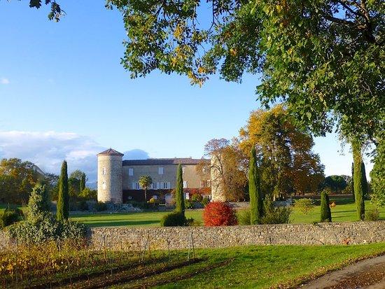 Grospierres, France: Le Château à l'automne
