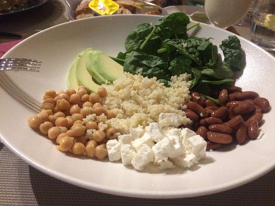 Riviere Noire District: Salade servie à un prix très élevé !!