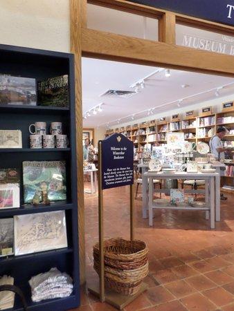 Winterthur, DE: gift shop in visitors center