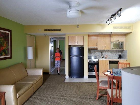 Alden Suites: Kitchenette