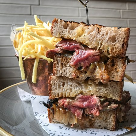 Chop House Market Street : Steak sourdough lunch