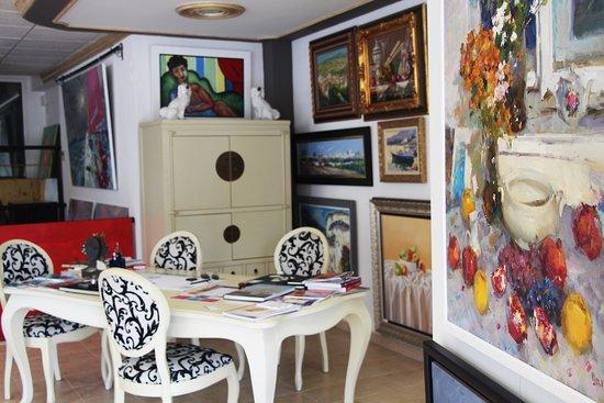 GUDZGALLERY Art gallery
