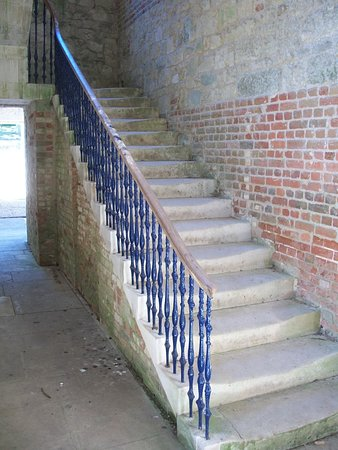 Wroxall, UK: Staircase to a balcony. Further up is off limits.