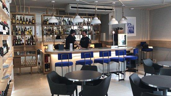 2da planta zona de coctelería y salón